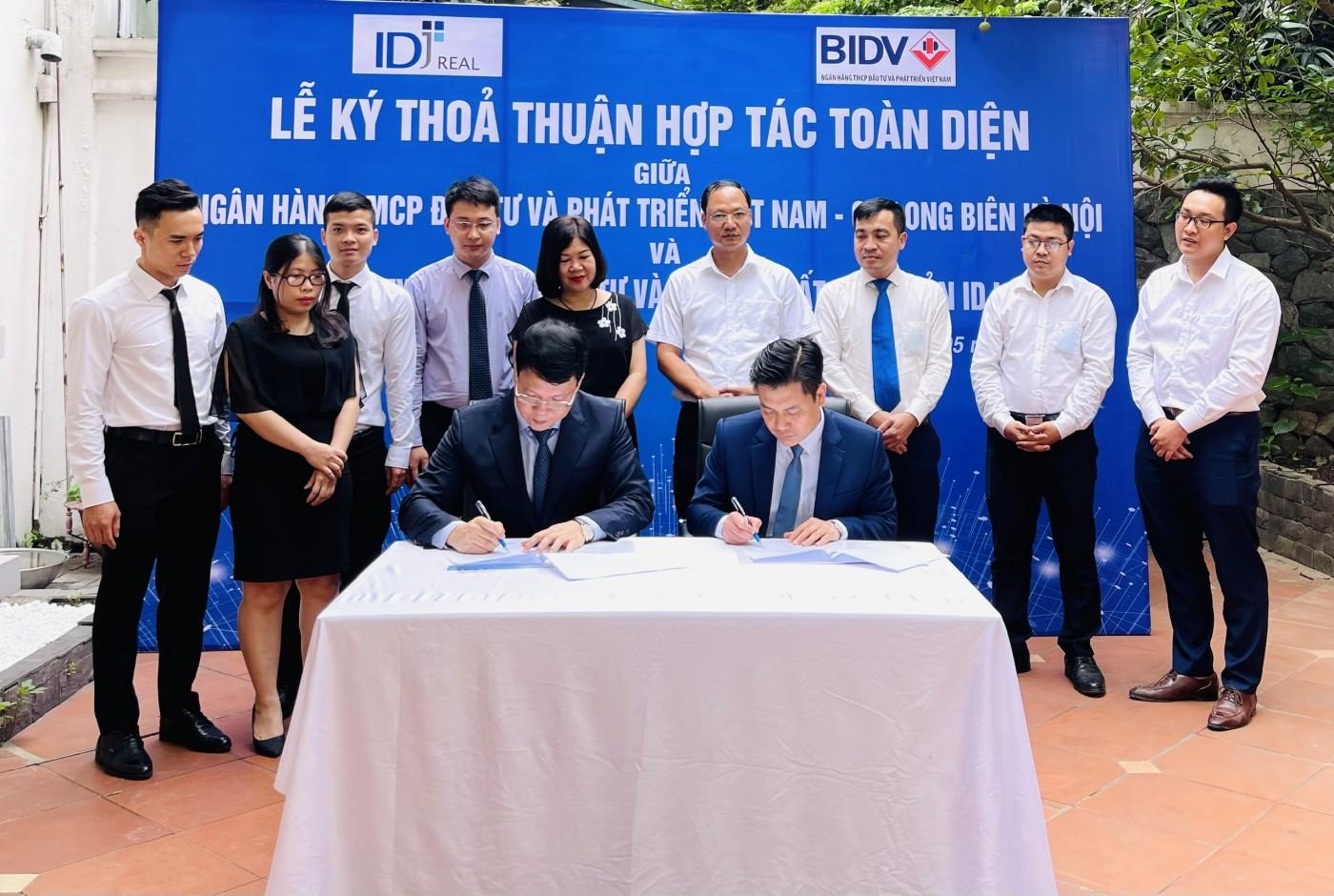 IDJ Real and BIDV sign contract